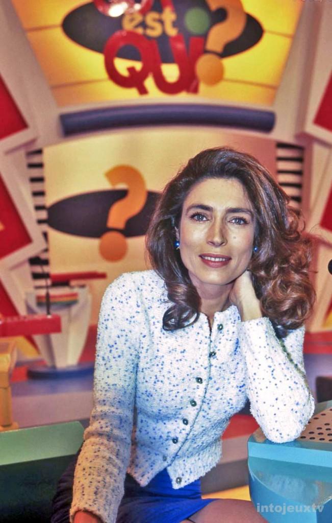 Marie-Ange Nardi présentatrice de Qui est Qui